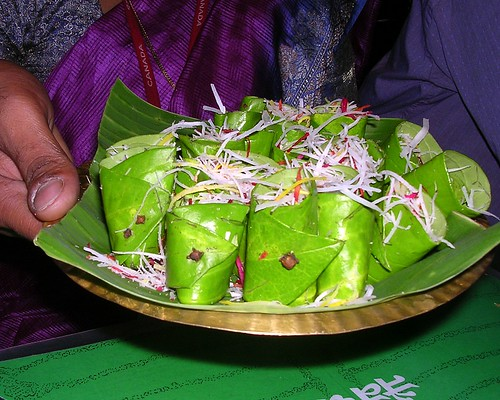Get that red glow and a rush with Indian Paan - Things to do in New Delhi