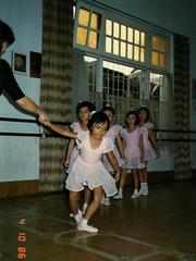 1986 10 04 Bandung Studio Ballet - Rani curtsey