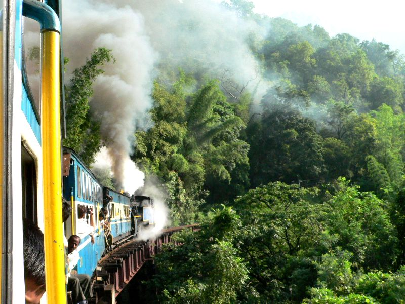 Day 1 - 14 - Sometimes I wondered, so much talk about eco-friendly treatment of Ooty and so much smoke at the same time