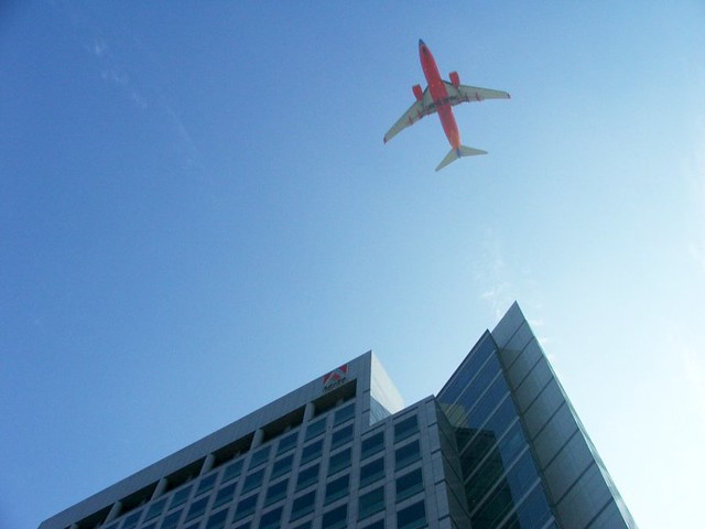 airliner above Adobe, October 23, 2005