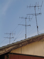 outdoor structure(0.0), electronic device(0.0), overhead power line(0.0), mast(0.0), wind(0.0), transmission tower(0.0), tower(0.0), electrical supply(1.0), line(1.0), electricity(1.0), antenna(1.0),
