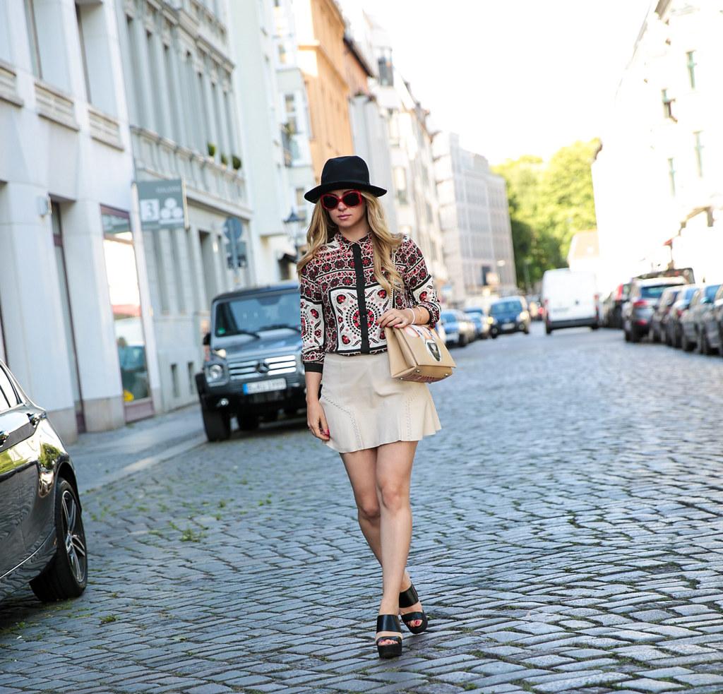 zara blouse leatherskirt berlin fashionweek streetstyle