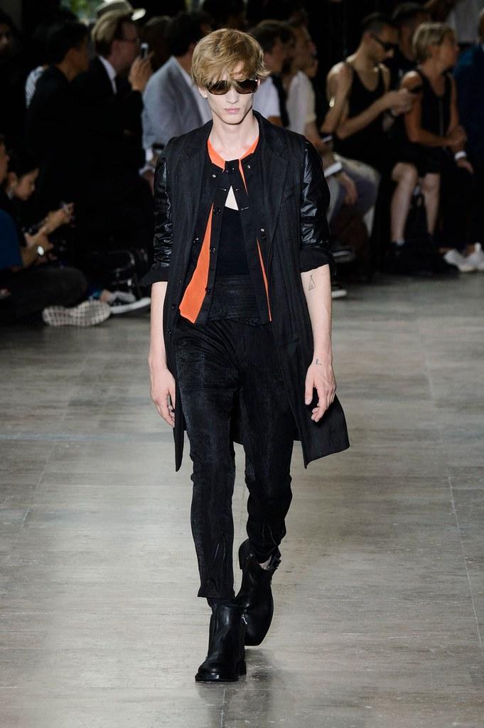 Paul Boche3698_SS16 Paris Ann Demeulemeester(fashionising.com)