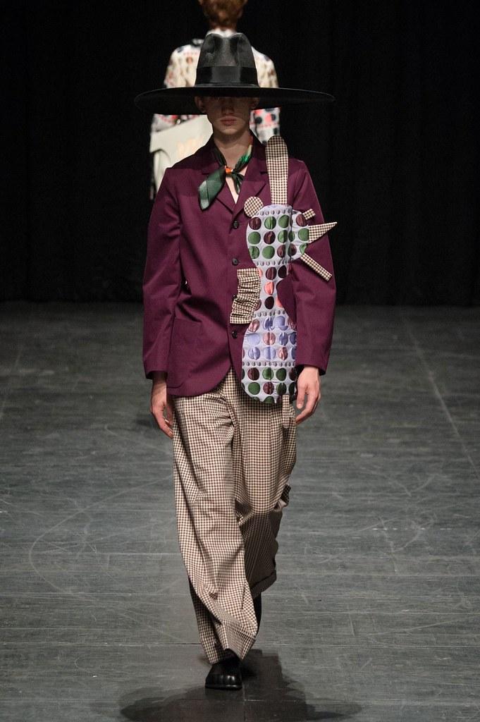Eugen Ivanov3083_SS16 Paris Walter Van Beirendonck(fashionising.com)