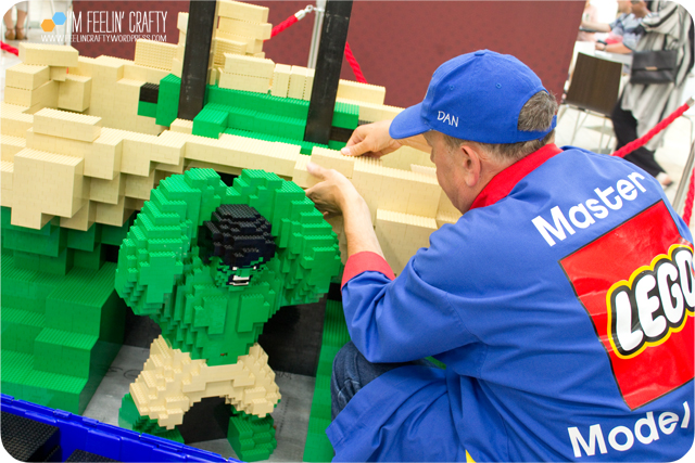 LegoStore-Hulk02-ImFeelinCrafty