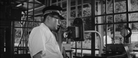 75−天津小湊駅では「貨物列車は定刻に出ましたか?」