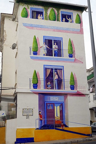 Murales Artísticos de Estepona (Spain): La Casa de la Buena Gente (The House of the Good People) by Conchi Alvarez