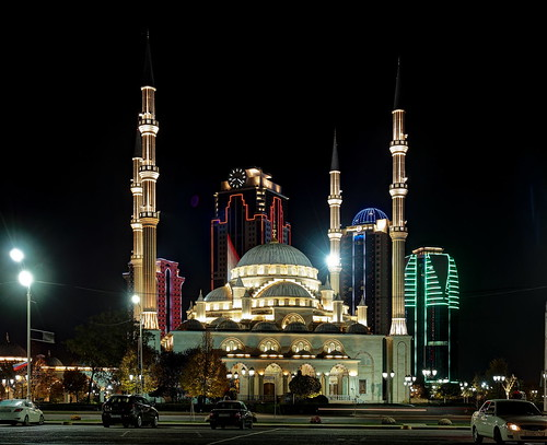 2016 autumn chechenrepublic chechnya city grozny groznycitytowers mosque mosquetheheartofchechnya november russia город грозный грозныйсити мечеть мечетьсердцечечни ноябрь осень россия чеченскаяреспублика чечня