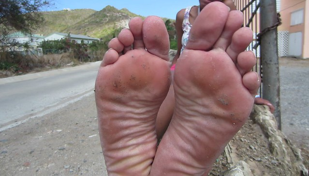 Young woman meet on the road soles size 9