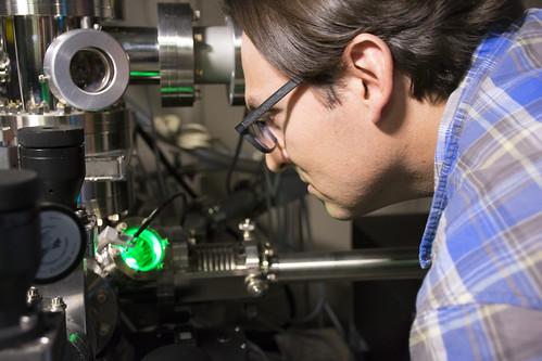 Aluminum clusters shut down molecular fuel factory