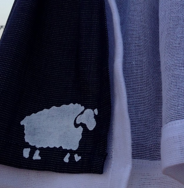 ovejitas pintadas a mano con plantilla