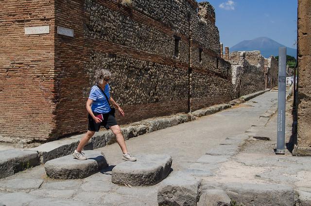 20150519-Pompeii-Pedestrian-Crossing-0434