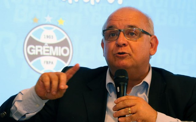 Presidente do Gr�mio fala sobre Bola�os: &#39Atacante refinado, com faro de gol&#39