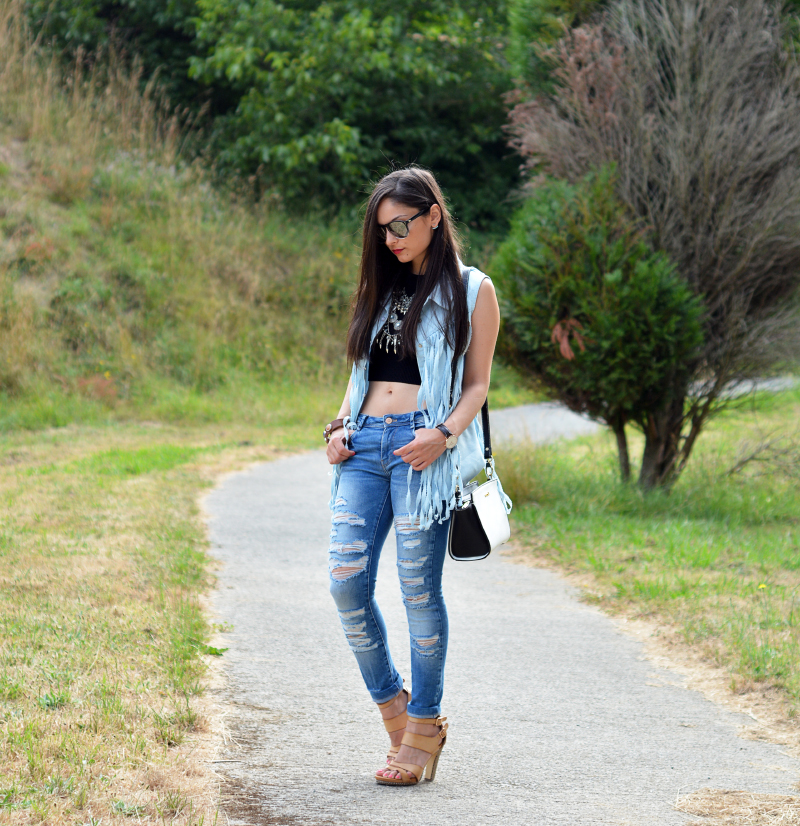zara_outfit_jeans_crop_top_01