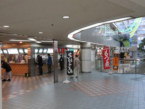 中山競馬場の1階レストラン棟<br />