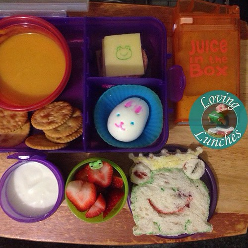 Loving Honey's lunch from the other day… she's into frogs at the moment 🐸 so I used a #lunchpunch on her sandwich and some FooDoodlers. Soup, crackers, ️Pepperoni and cheese, bunny eggy, strawberries and yoghurt and some GoGo juice in her @boardwalki