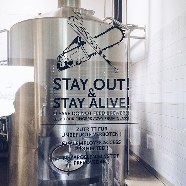 """stay out. please do not feed brewers."" ___ #VSCOcam #bevog #brewery #craft beer #backhendldays #makeitkürbiskernöl [""words"" for #FMSphotoaday #photoadayaugust]"