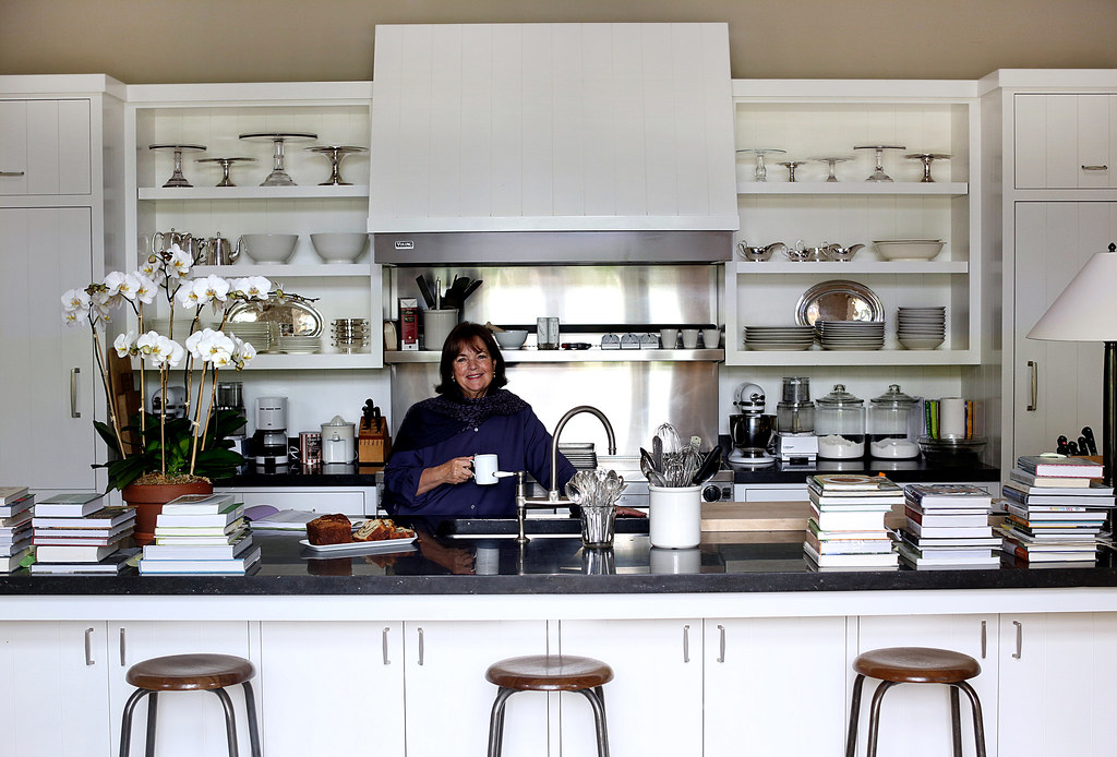 To Walk a Mile in the Shoes of a Barefoot Contessa - Old Town Home