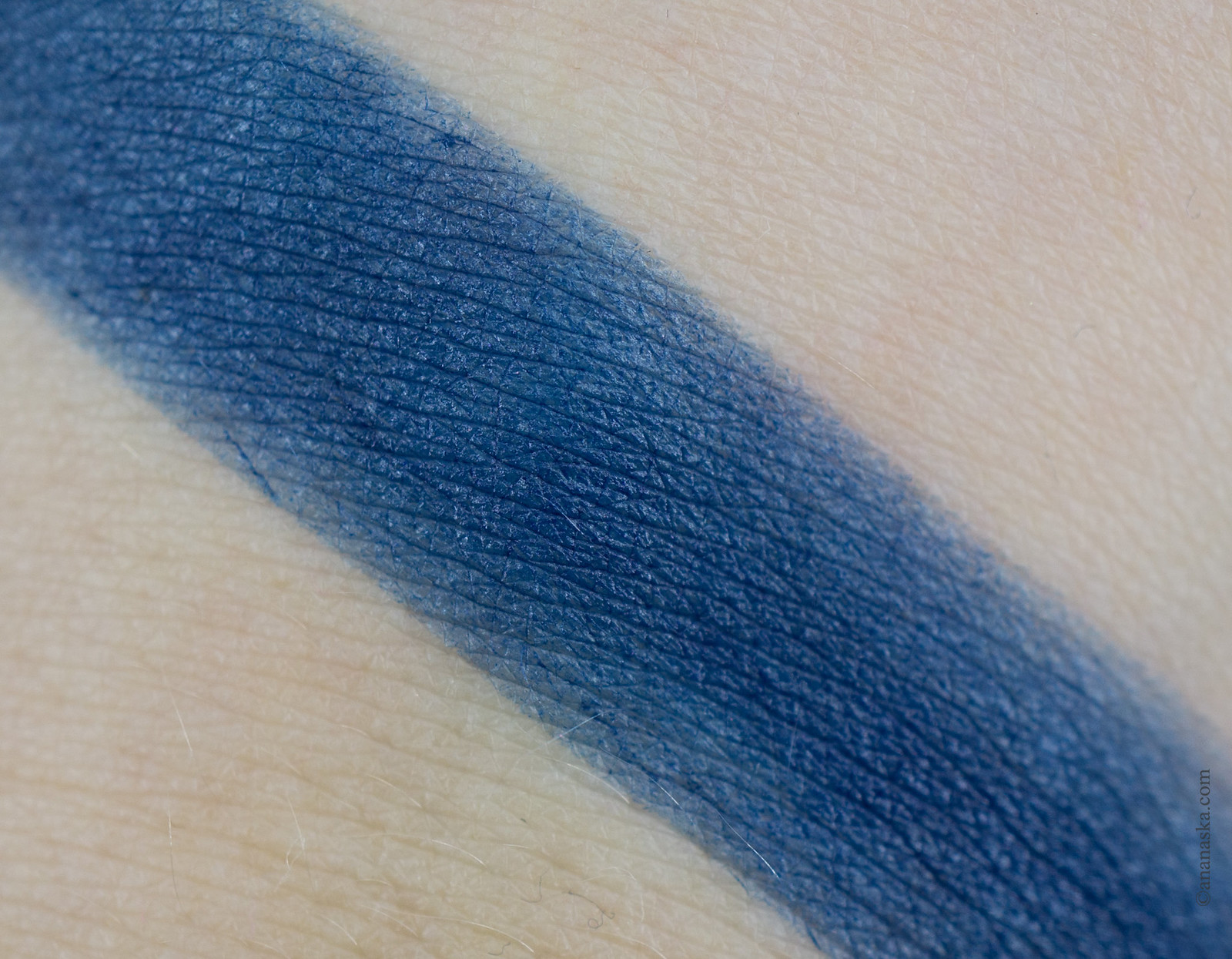 Kiko Milano Velvet Passion Matte Lipstick Crazy Colours 323 Imperial Blue