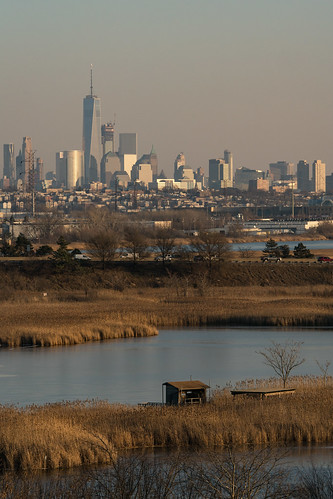 nj newjersey meadowlands kingsland lyndhurst bergencounty marsh meadows worldtradecenter wtc newyorkcity manhattan manhattanskyline lowermanhattan contrast extreme turnpike evening sunset
