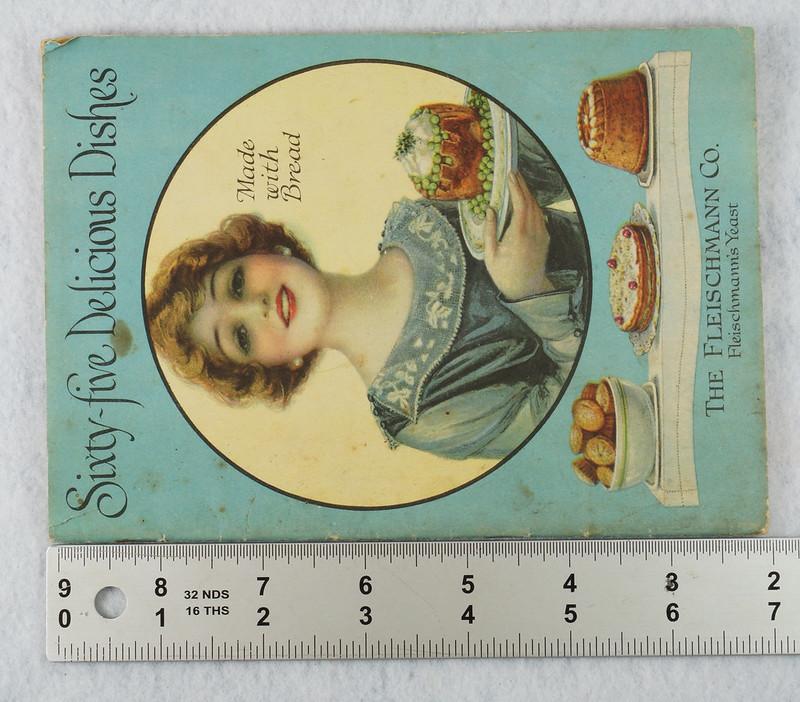 RD4157 1919 Fleischmann Yeast Cook Book Booklet - 65 Delicious Dishes DSC08641