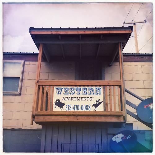 missouri bowlinggreen hipstamatic foxylens robustafilm westernapartments