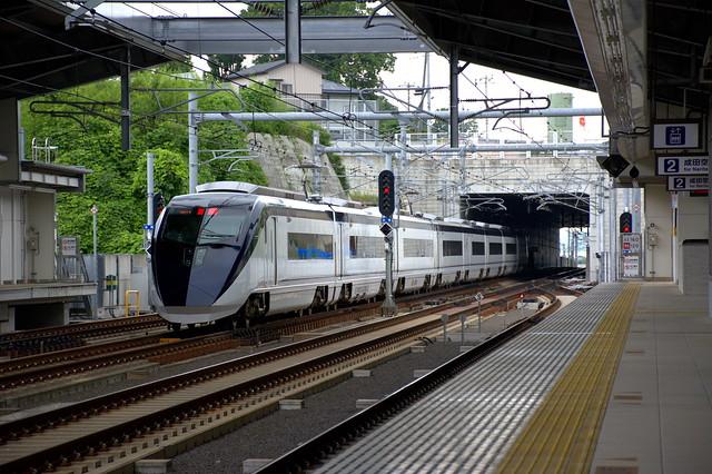 スカイライナー:成田湯川駅通過