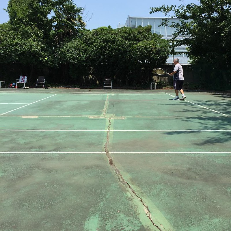 警備のおじさんとテニス♪