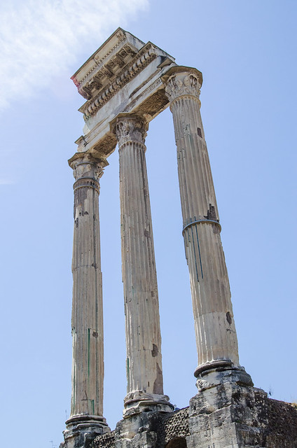 20150518-Rome-Roman-Forum-Temple-of-Castor-and-Pollux-0243