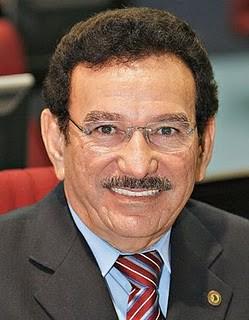 Nº 1 do PMDB diz que sigla não decidiu ainda apoio a prefeito para Nélio Aguiar
