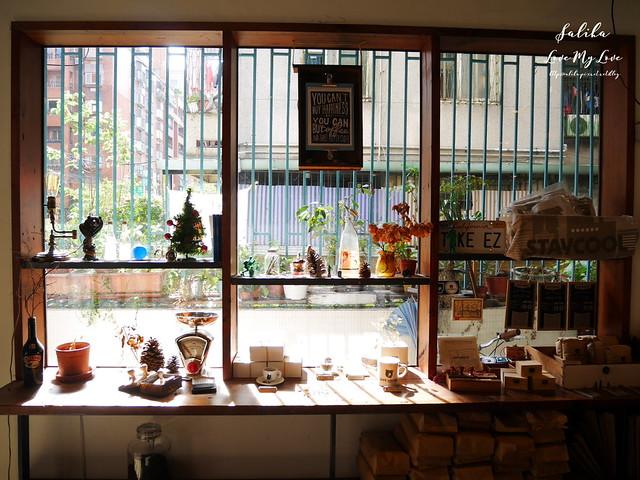 台北小巨蛋站附近咖啡館餐廳小破爛咖啡CAFE JUNKIES (8)