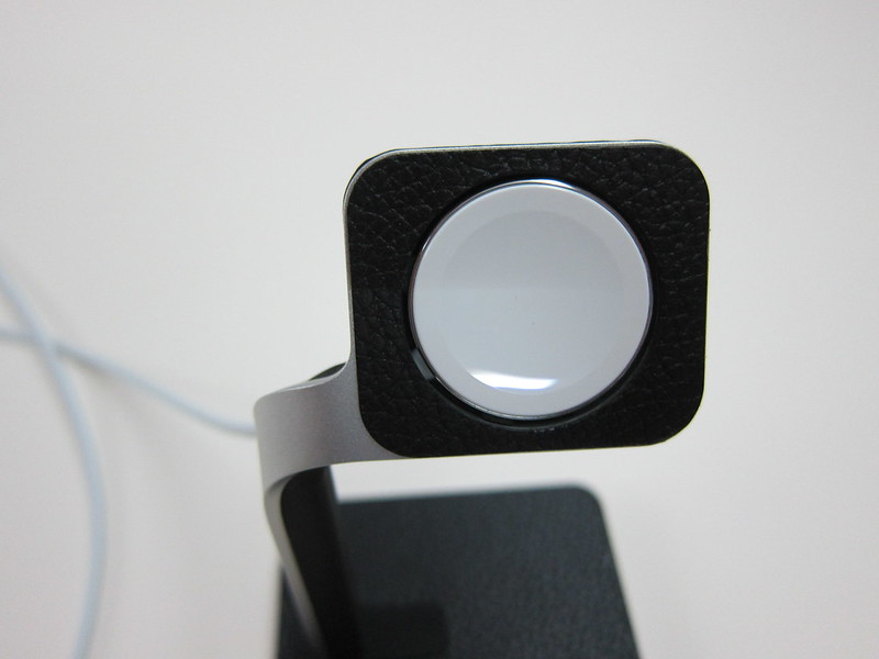 Mophie Apple Watch Dock - Magnetic Charger Holder