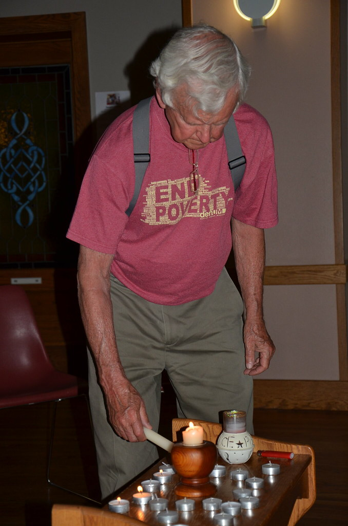 2015_06_16 candle vigil for 1st day of fast 011