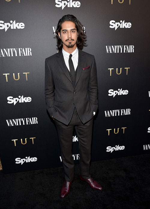 Avan-Jogia-TUT-Premiere-2015-Style-Three-Piece-Suit-001
