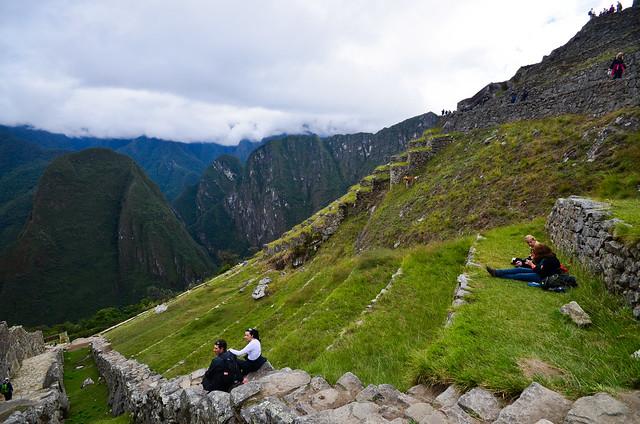 La gente haciendo picnic en Machu Picchu