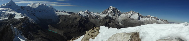 Highlights of the Cordillera Blanca Traverse: Urus Este panorama