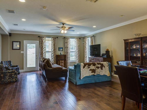 120 Red Bud Boerne TX 78006-MLS_Size-009-6-Living Room-640x480-72dpi