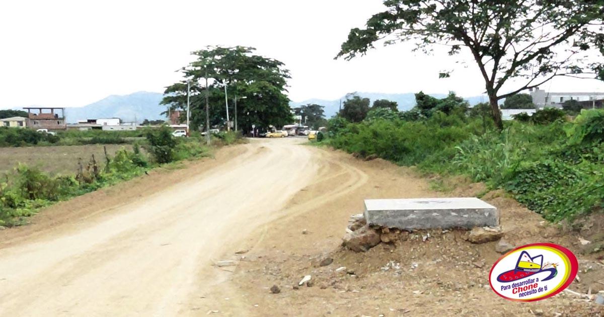 Municipalidad mejora el acceso al nuevo Centro de Salud Chone