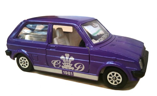 42 Corgi Austin Metro Royal Wedding