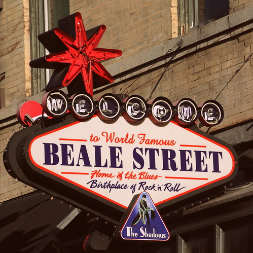 Welocme to Beale Street neon sign