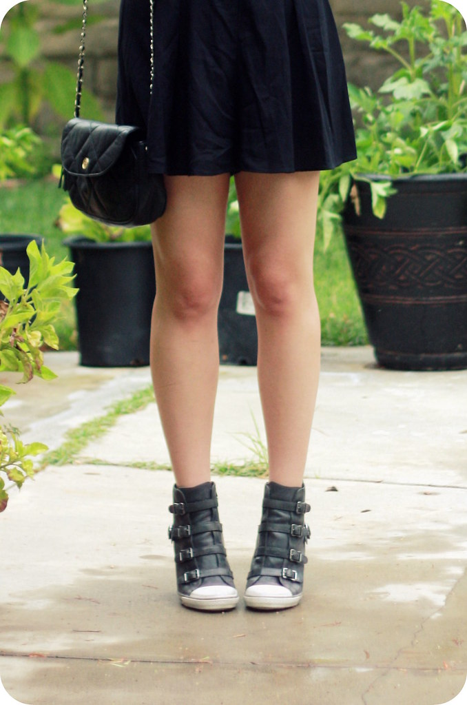 Sweets and Hearts fashion: outfit style featuring Urban Outfitters black v-back romper, Ashy gray leather wedge sneakers, vintage quilted leather bag, Lulu Guinness umbrella