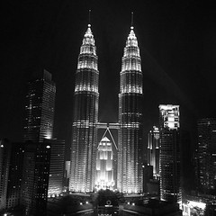 What a beauty. #petronas #towers #kualalumpur #malaysia #jower #lasthurrah #blackandwhite