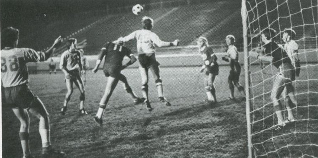 1979 THS Soccer Team - Defending