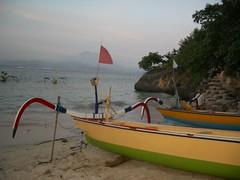 sail(0.0), sailboat(0.0), watercraft rowing(0.0), paddle(0.0), canoe(1.0), dinghy(1.0), vehicle(1.0), sea(1.0), bay(1.0), boating(1.0), watercraft(1.0), boat(1.0),