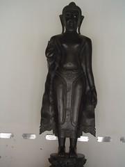bust(0.0), monument(0.0), art(1.0), classical sculpture(1.0), sculpture(1.0), bronze sculpture(1.0), bronze(1.0), statue(1.0),