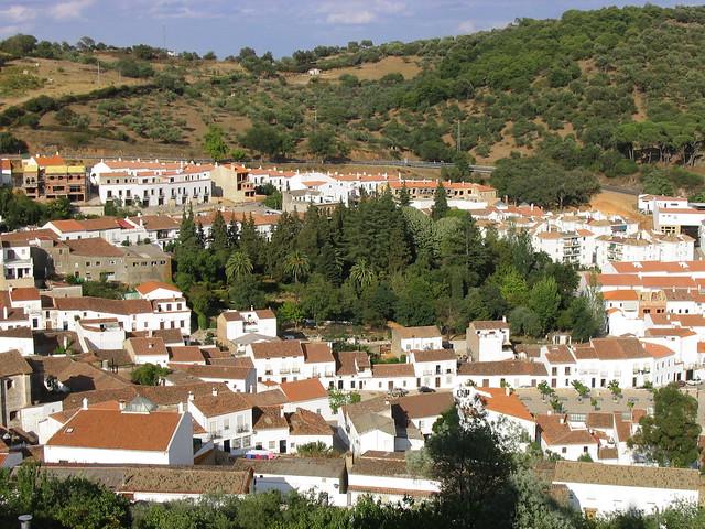 Vista aérea de uno de los pueblos de la Sierra de Aracena