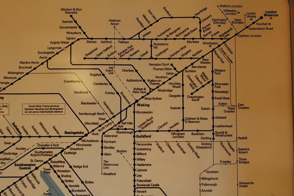 從guildford到london的火車路線圖