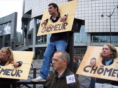 Le nombre de chômeurs frise les 5 millions en France métropolitaine