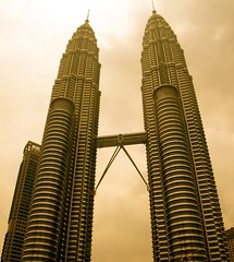 Twin Towers XL
