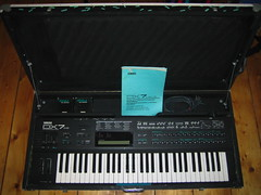 analog synthesizer(0.0), synthesizer(1.0), electronic device(1.0), musical keyboard(1.0), keyboard(1.0), electronic musical instrument(1.0), electronic keyboard(1.0), electric piano(1.0), digital piano(1.0), electronic instrument(1.0),
